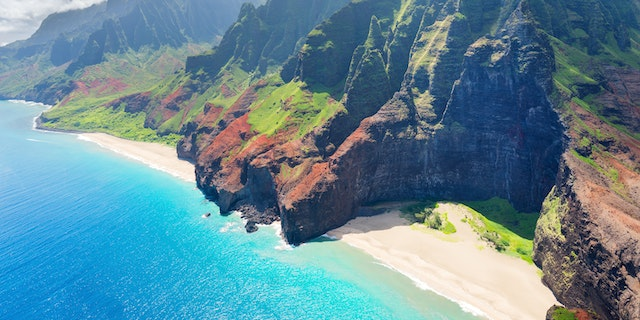 Visit Hawaii with Pleasant Holidays